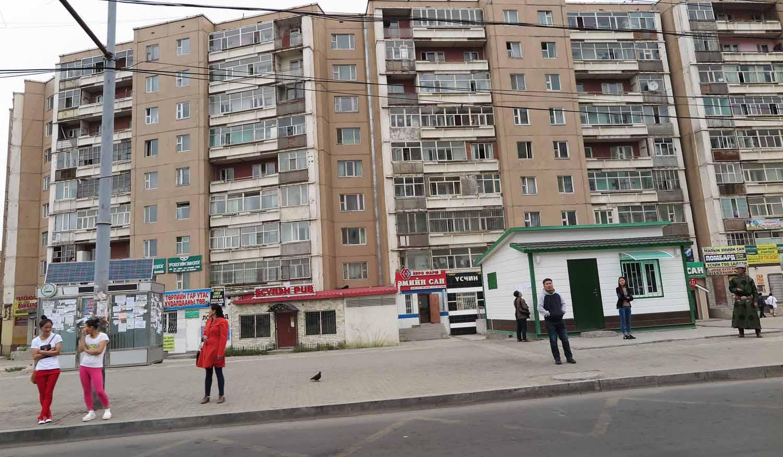 Mongolia-Ulanbator-Street-Scenes-Apartments