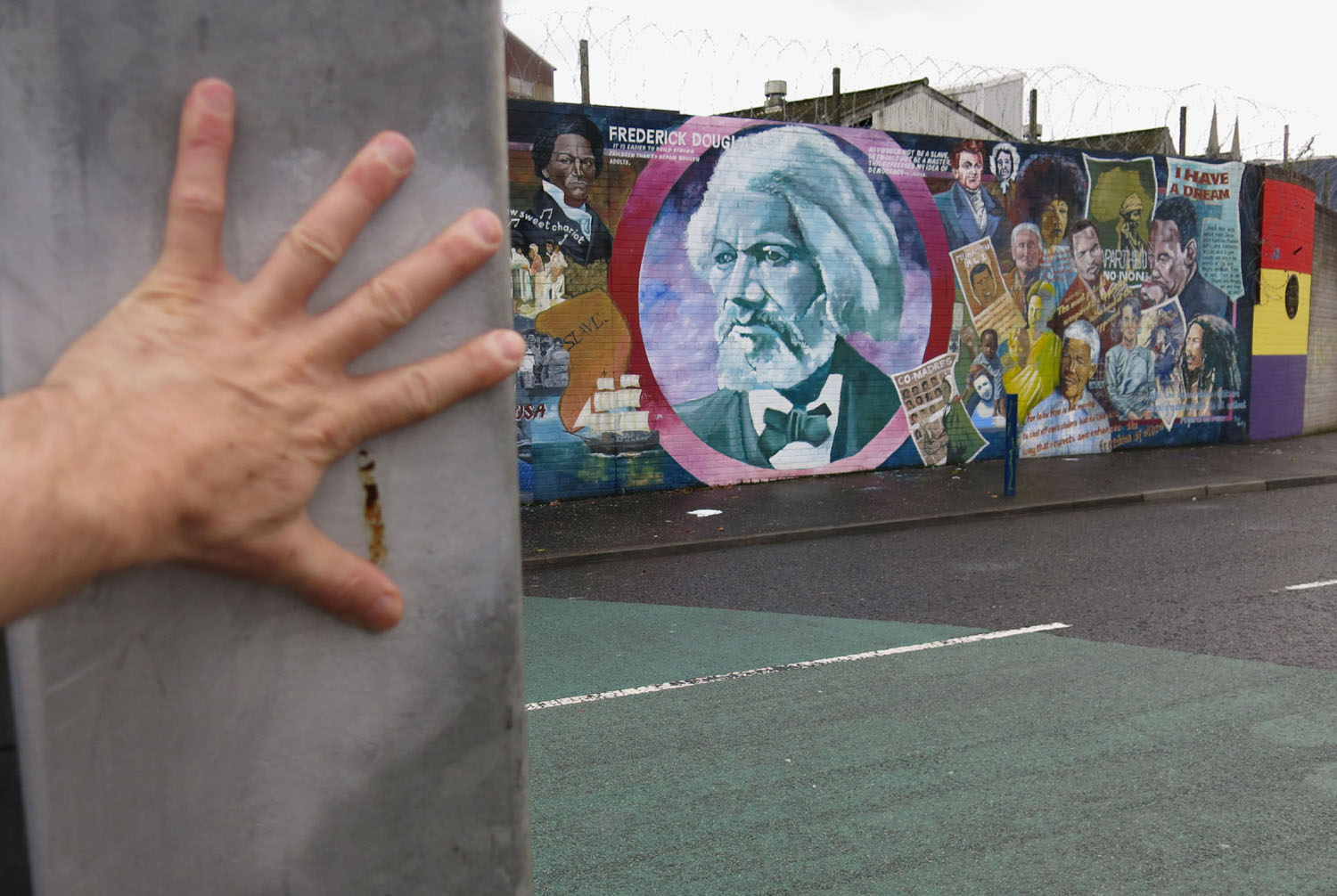 Northern-Ireland-Belfast-The-Troubles-Peace-Gate