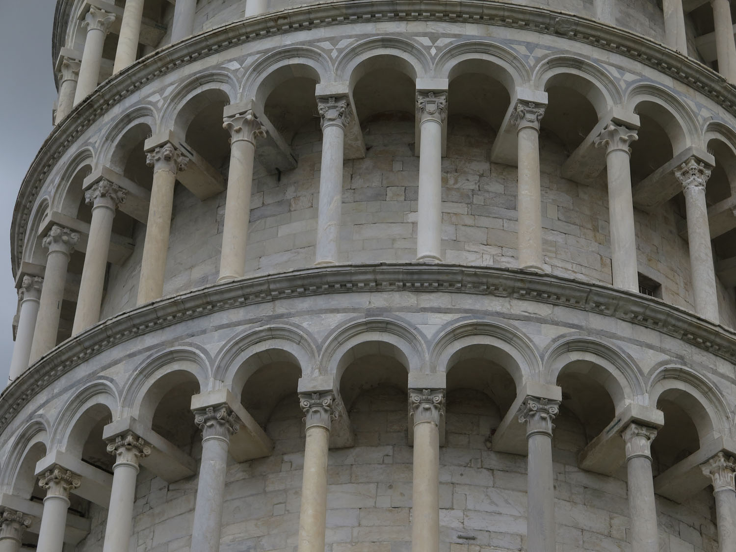 Italy-Pisa-Leaning-Tower-Closeup