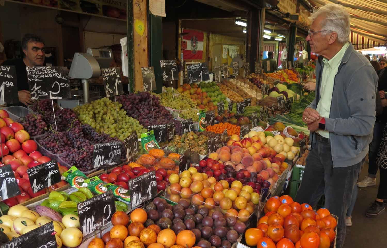 Austria-Vienna-Fruit-Stand