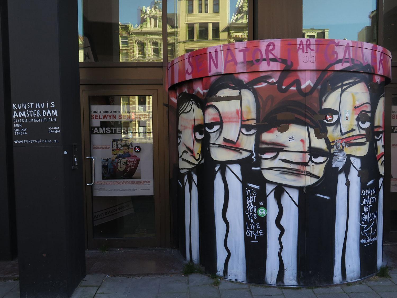 Netherlands-Amsterdam-Street-Scenes-Graffiti