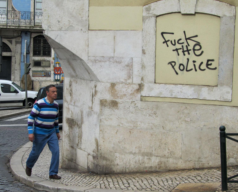 Portugal-Lisbon-Street-Scene-Corner