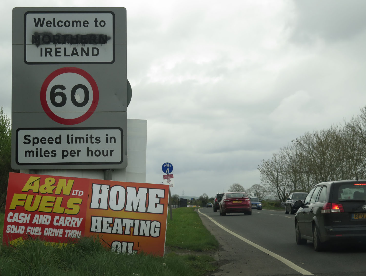 Northern-Ireland-Derry-Londonderry-Road-Sign-Welcome-To-Ireland-Northern-Ireland