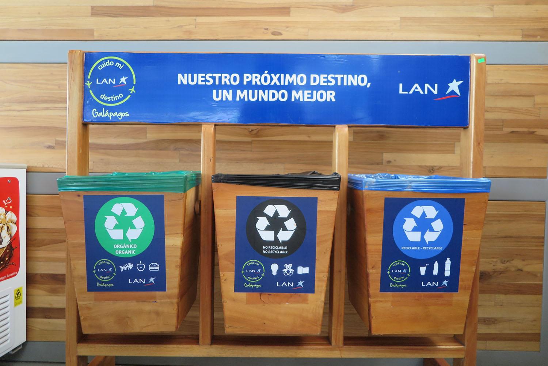 Ecuador-Galapagos-Street-Scenes-Recycling