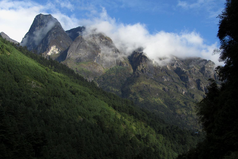 Nepal-Everest-Region-Trek-Day-08-Mountains