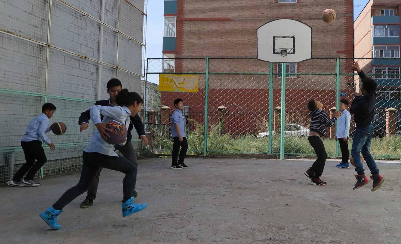 Mongolia-Ulanbator-Street-Scenes-Basketball