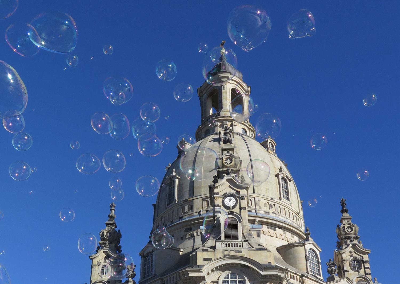 Germany-Dresden-Frauenkirche-Bubbles