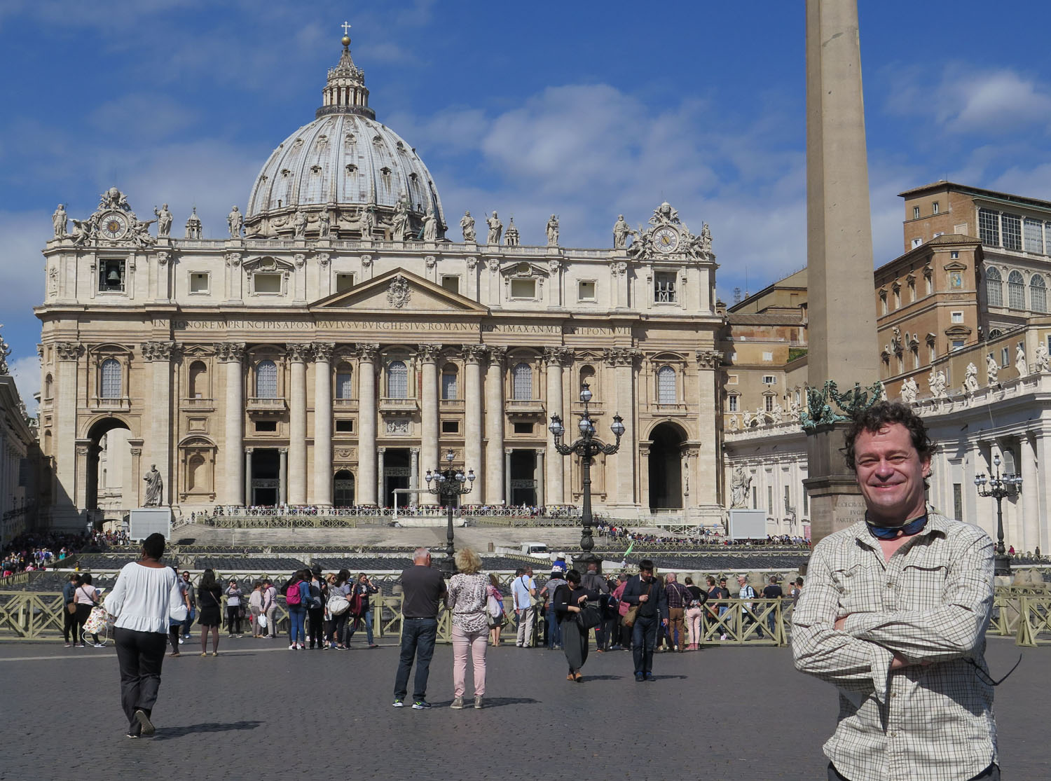 Italy-Rome-Vatican-Saint-Peters-Square-Frank
