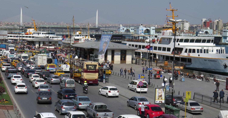 Turkey-Istanbul-Street-Scenes-Traffic