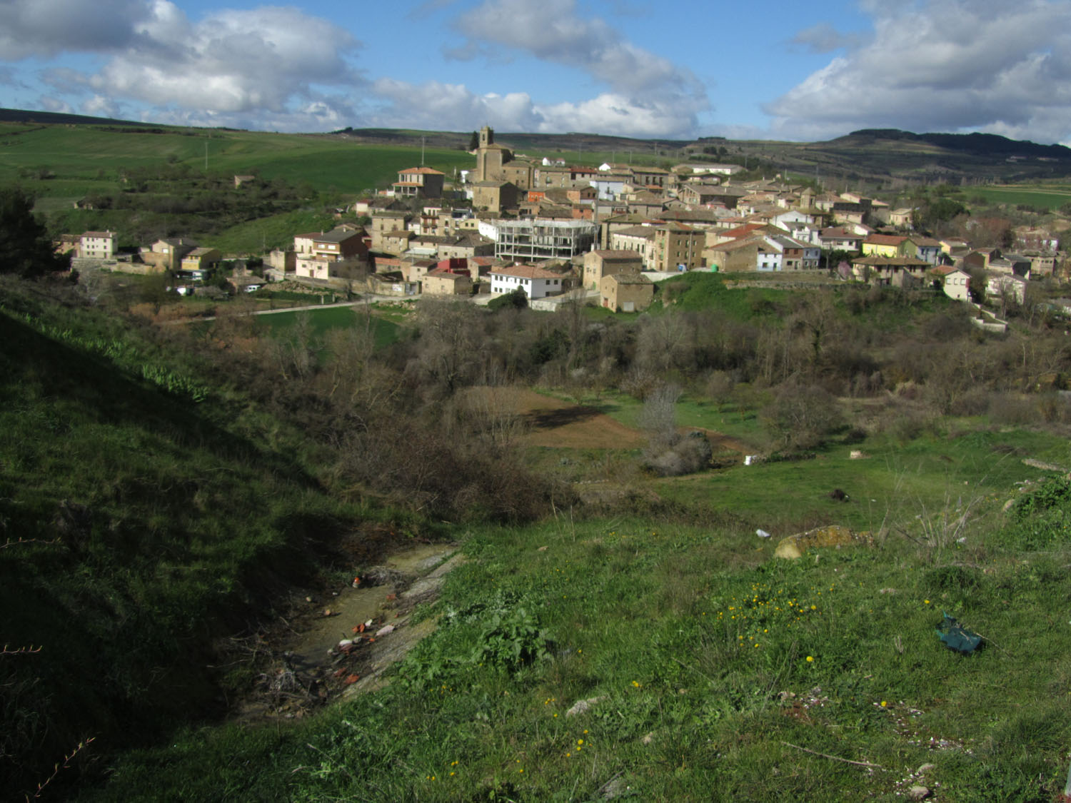 Camino-De-Santiago-Sights-And-Scenery-Hill-Town