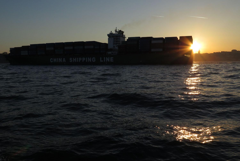 Turkey-Bosphorus-Container-Ship