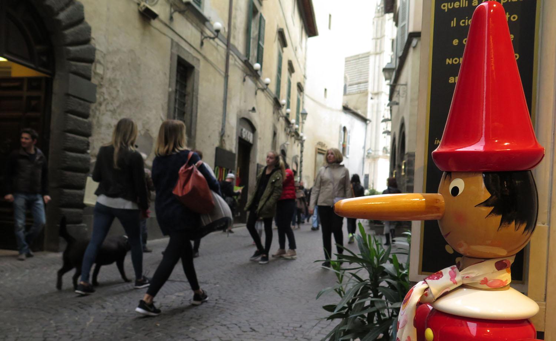 Italy-Orvieto-Street-Scenes-Pinocchio