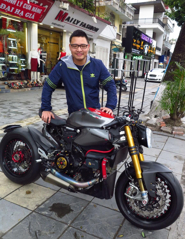 Vietnam-Hanoi-Street-Scenes-Motorcycle