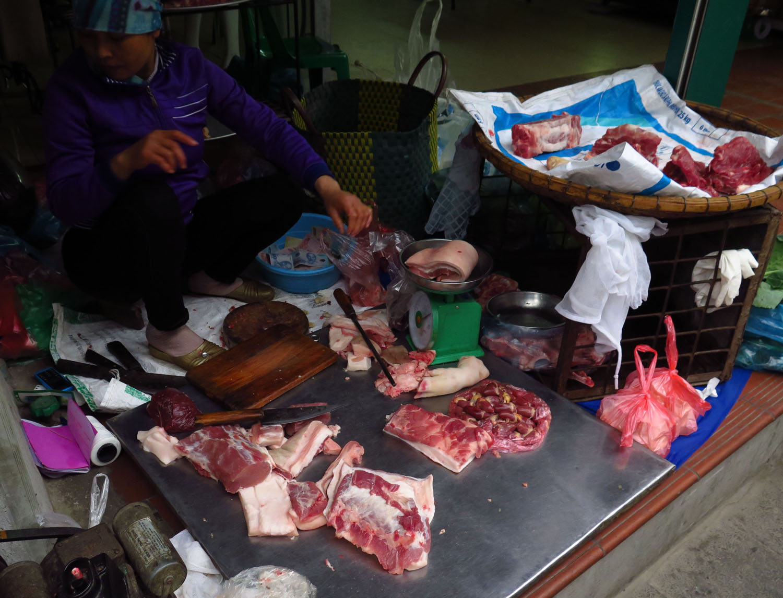 Vietnam-Hanoi-Street-Scenes-Butcher