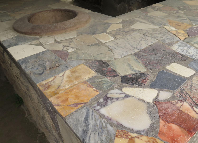 Italy-Pompeii-Kitchen