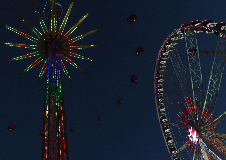 Netherlands-Amsterdam-Dam-Square-Ferris-Wheel