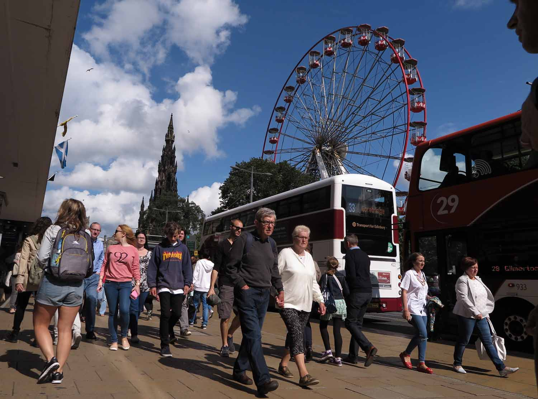 Scotland-Lowlands-Edinburgh-Princes-Street