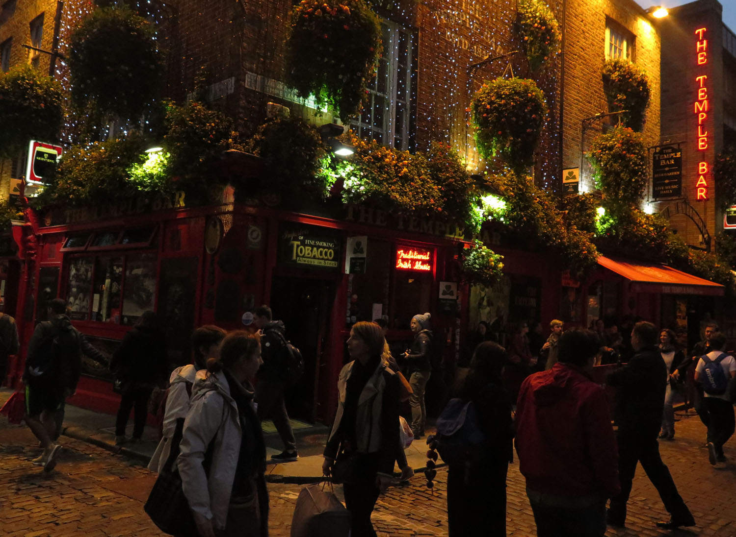 Ireland-Dublin-Temple-Bar