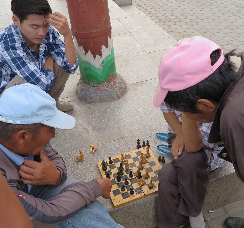 Mongolia-Ulanbator-Street-Scenes-Chess