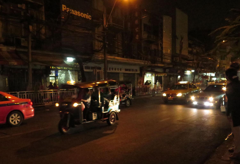 Thailand-Bangkok-Street-Scenes-Tuk-Tuk-Night
