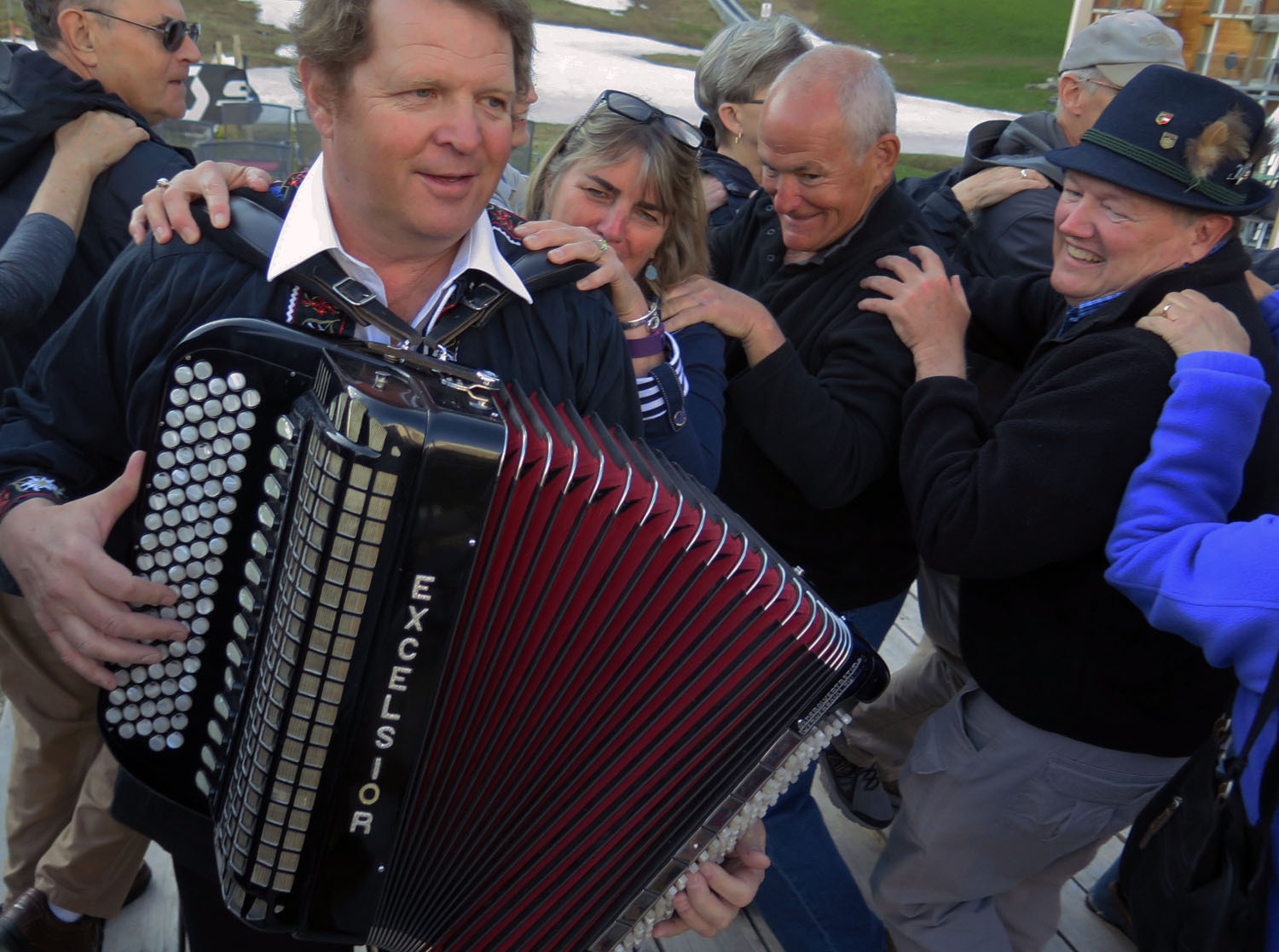 Switzerland-Bernese-Oberland-Murren-Accordion-Dancing