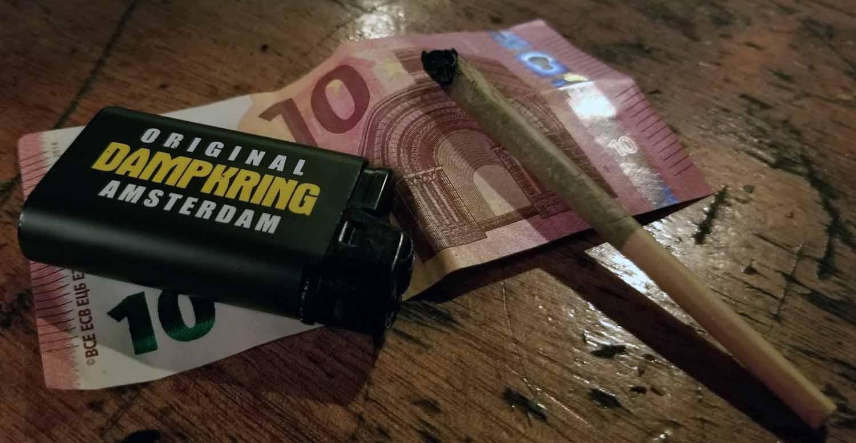 Netherlands-Amsterdam-Coffeeshop-Dampkring