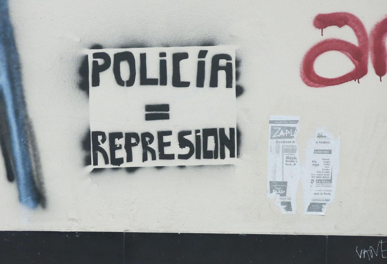Argentina-Buenos-Aires-Street-Scenes-Graffiti