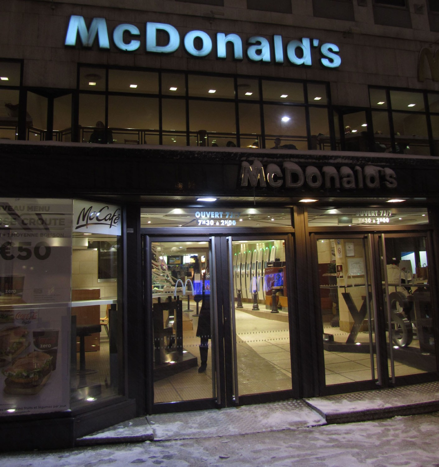 France-Paris-Food-And-Drink-McDonalds
