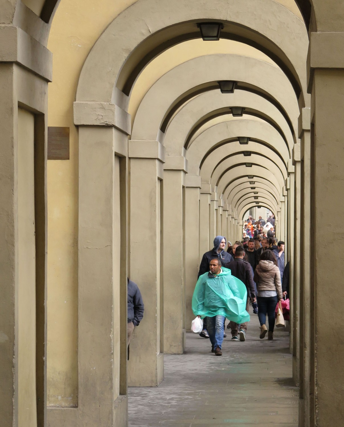 Italy-Florence-Street-Scenes-Archway