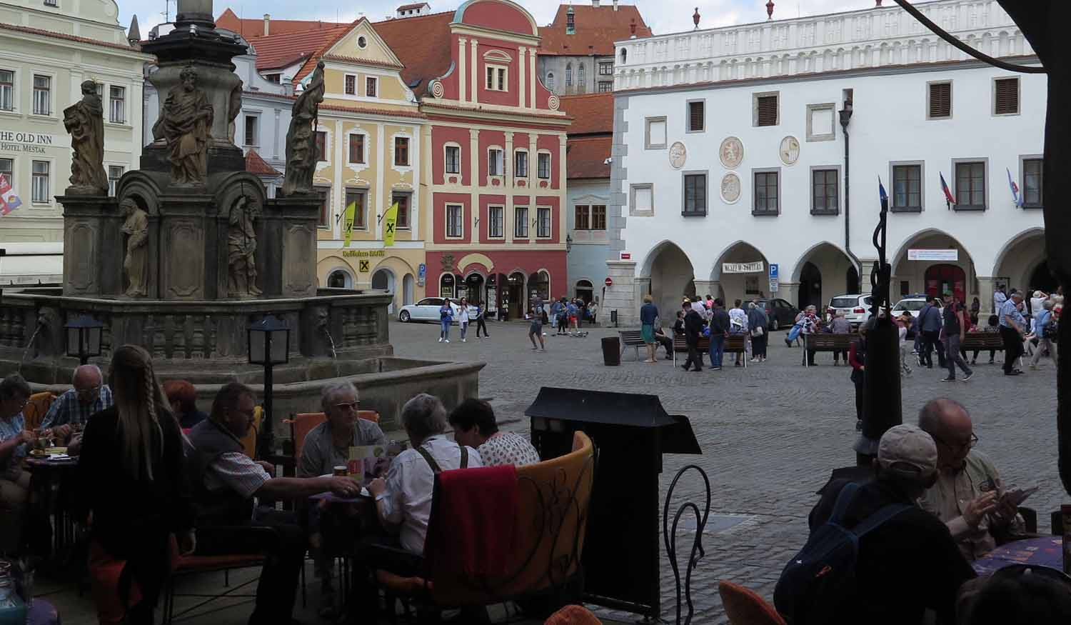 czech-republic-czesky-krumlov-main-square