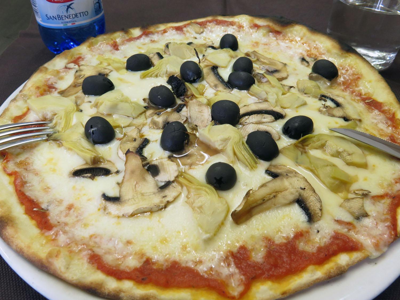 Italy-Pisa-Pizza