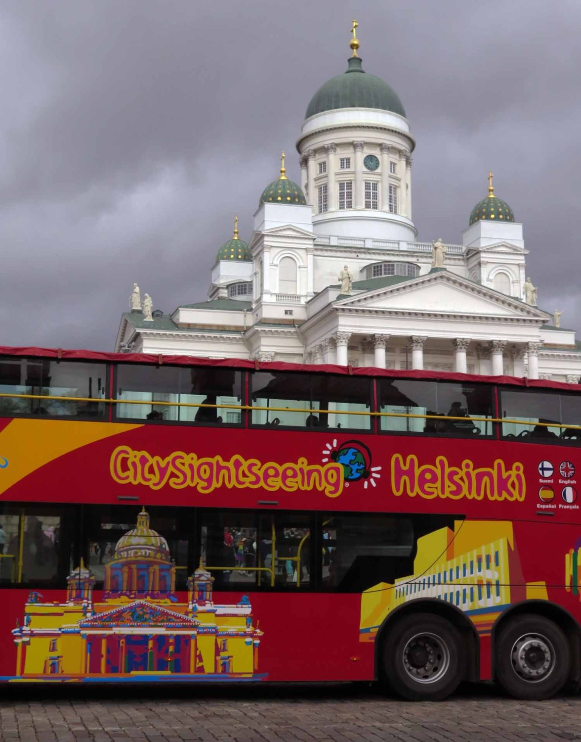 Finland-Helsinki-Cathedral-Bus