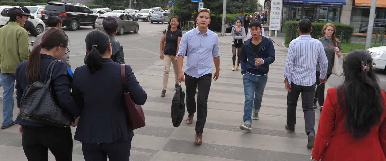 Mongolia-Ulanbator-Street-Scenes-Crossing