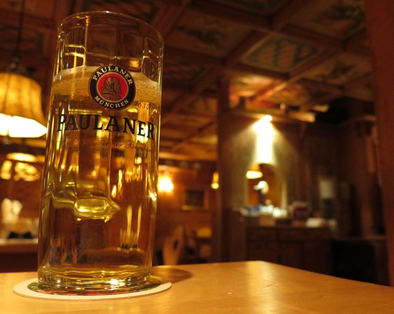 germany-berlin-food-and-drink-beer