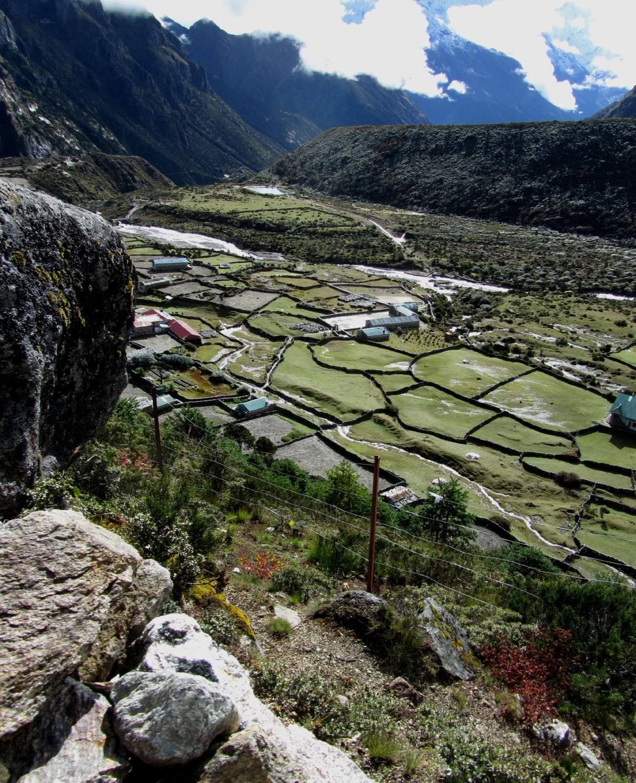 Nepal-Everest-Region-Trek-Day-07-Thame-Valley