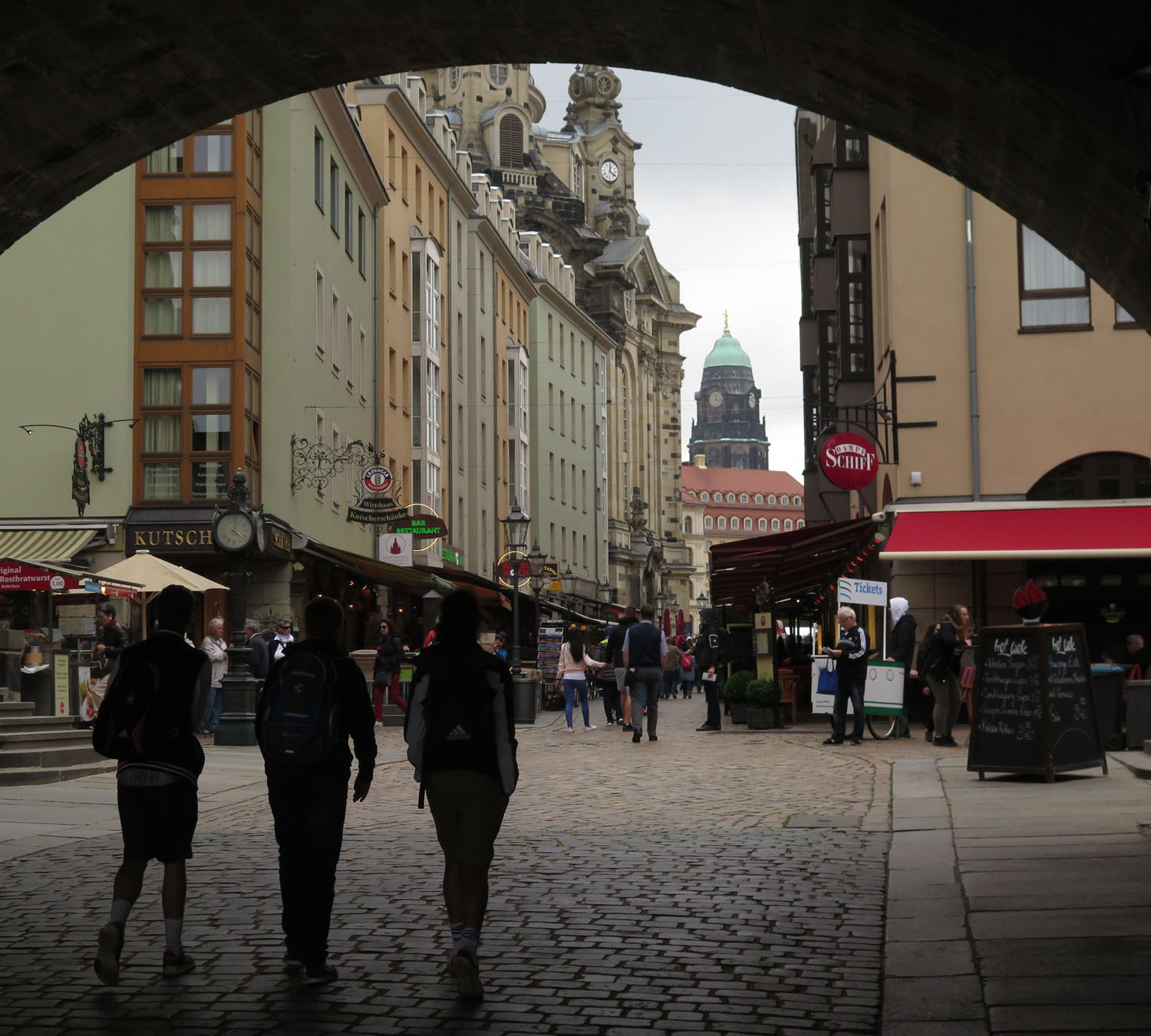 germany-dresden-archway