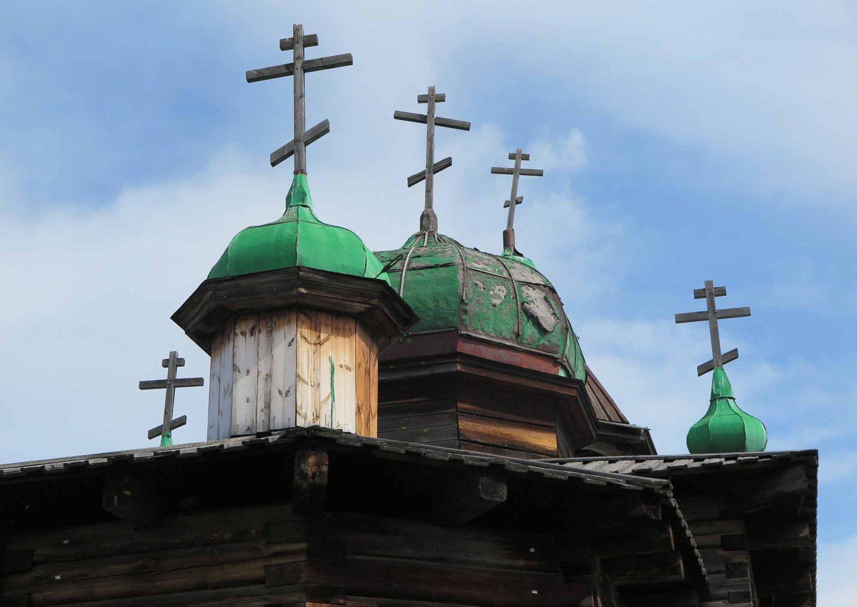 Russia-Trans-Siberian-Railway-Lake-Baikal-Crosses