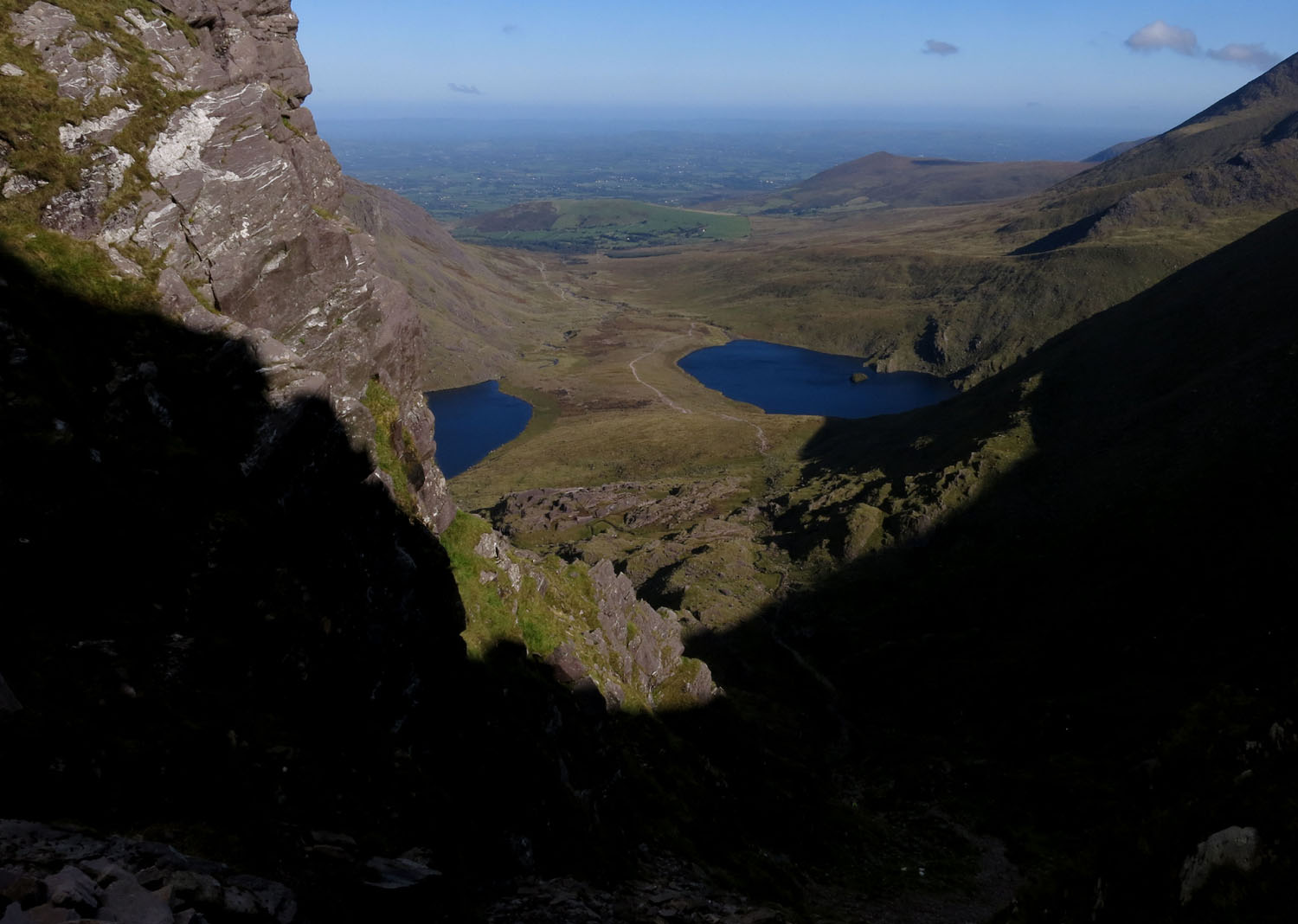 Ireland-Carrauntoohil-Going-Up