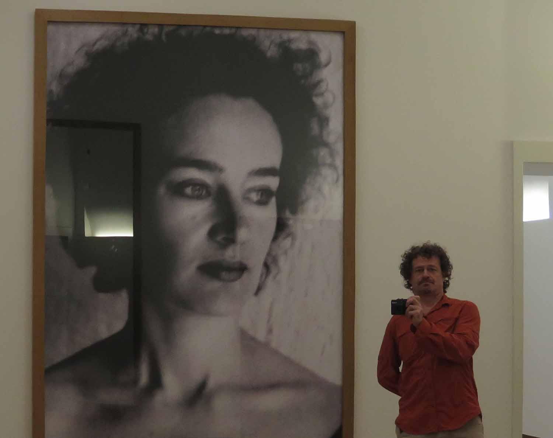 Netherlands-Amsterdam-Stedelijk-Museum-Selfie