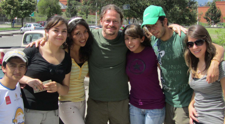 Ecuador-Cuenca-Street-Scenes-Young-People