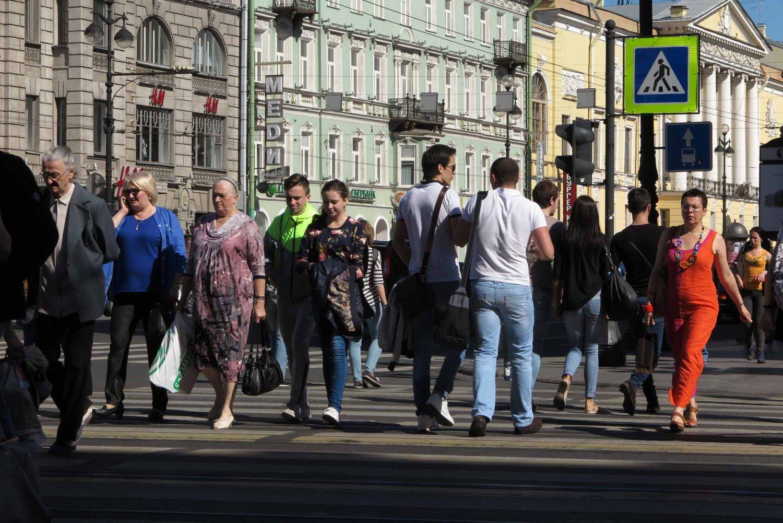 Russia-Saint-Petersburg-Nevsky-Prospekt
