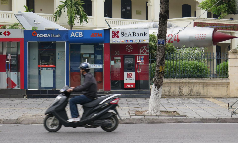 Vietnam-Hanoi-Street-Scenes-ATMs
