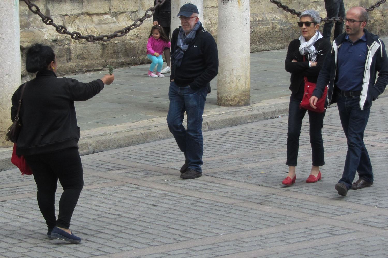 Spain-Sevilla-Gypsy-Ladies-