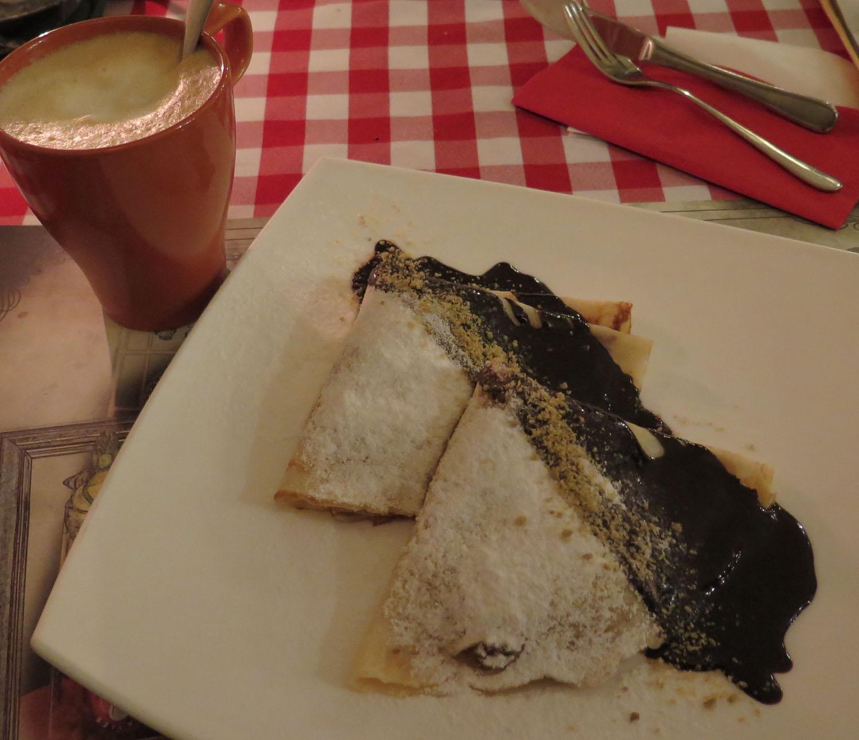 Hungary-Budapest-Food-And-Drink-Palacinta