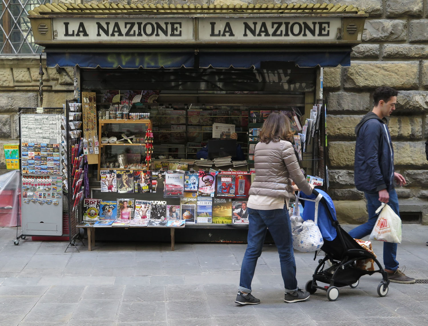 Italy-Florence-Street-Scenes-Newsstand