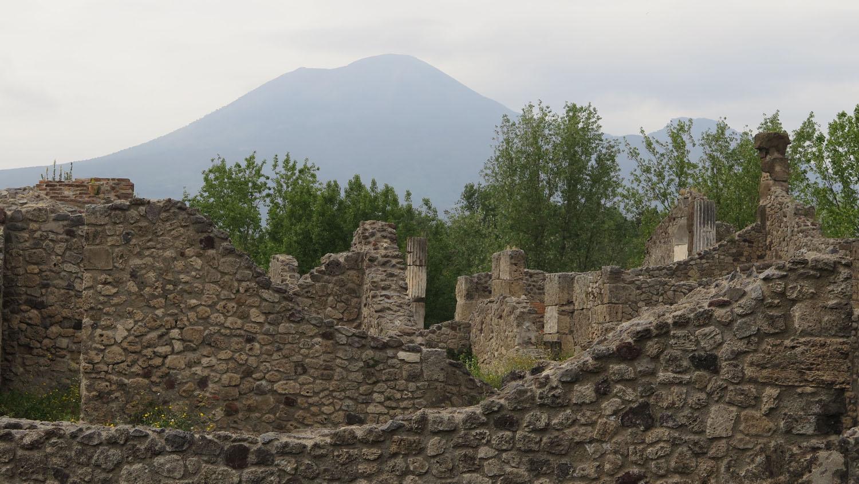 Italy-Pompeii-Mount-Vesuvius