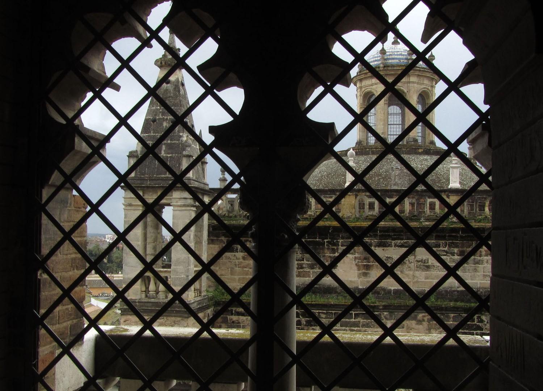 Spain-Sevilla-Cathedral-Windows