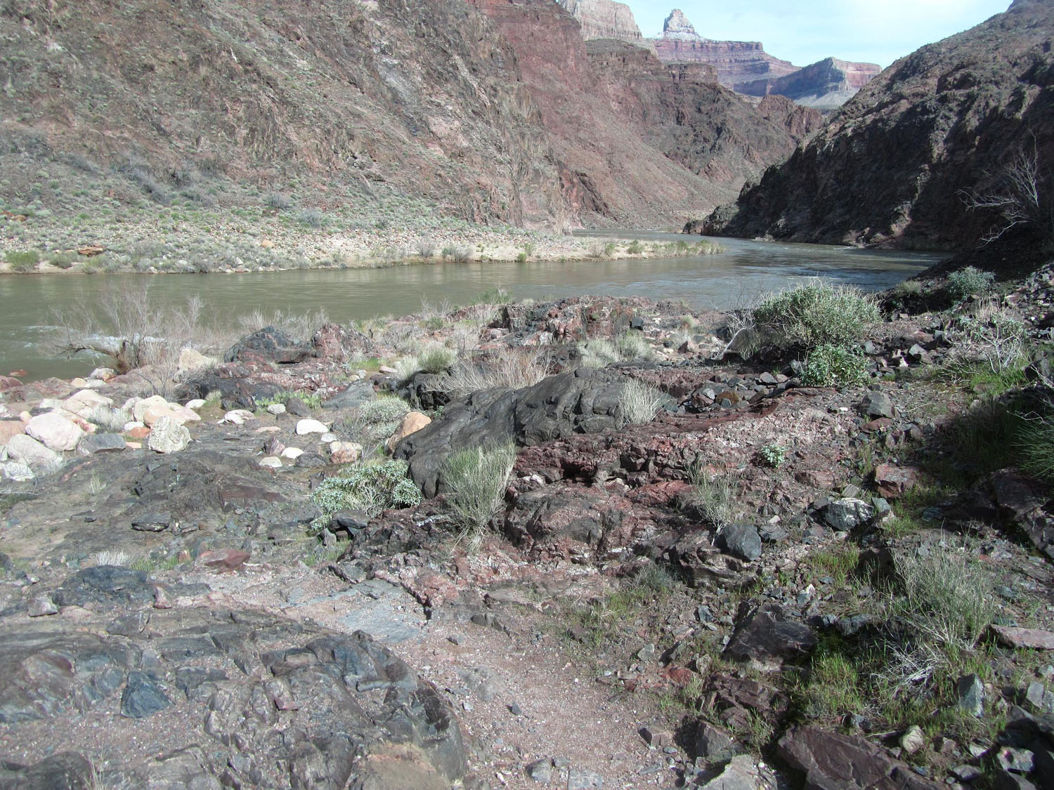 Grand-Canyon-Hike-In-Colorado-River