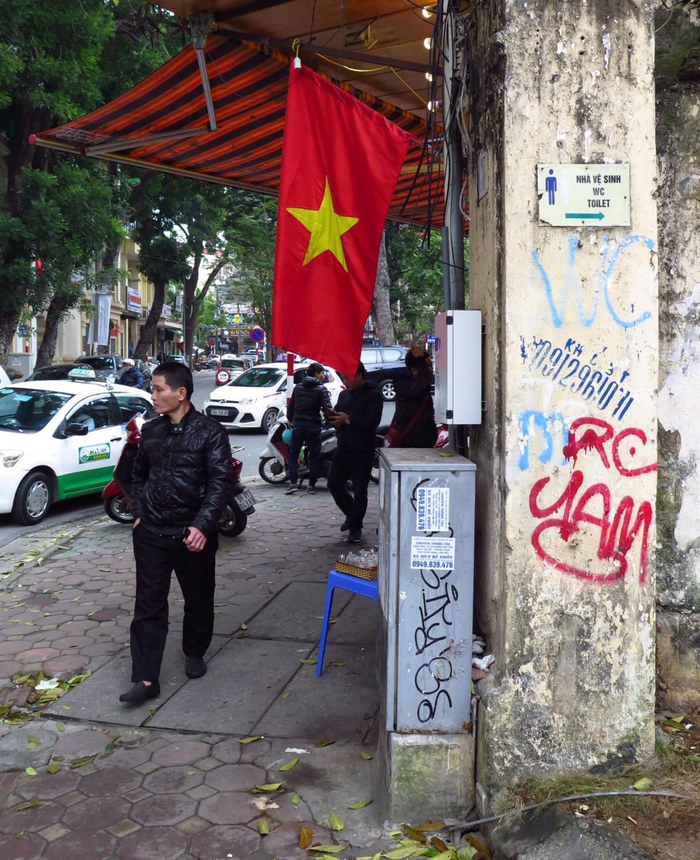 Vietnam-Hanoi-Street-Scenes-Flag