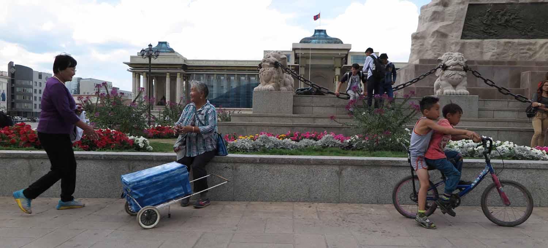 Mongolia-Ulanbator-Genghis-Square